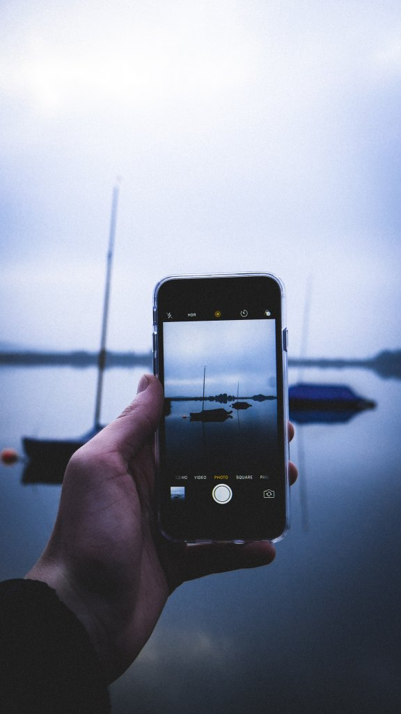 12 Apps for Sailors and Travellers