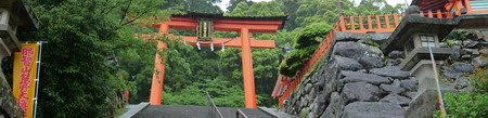 Nachi-Falls_shrine