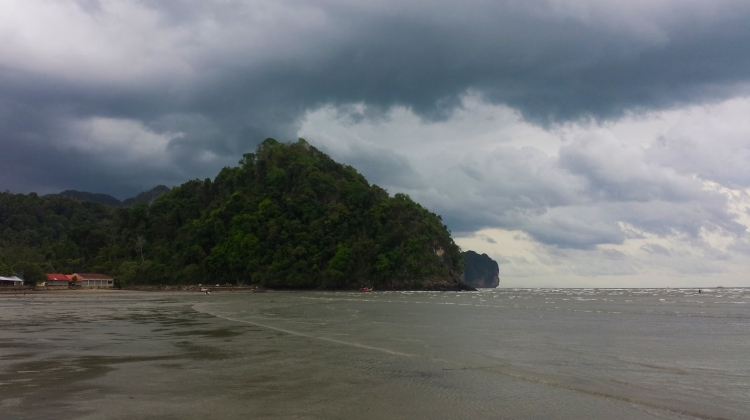 A stormy day in Ao Nang beach