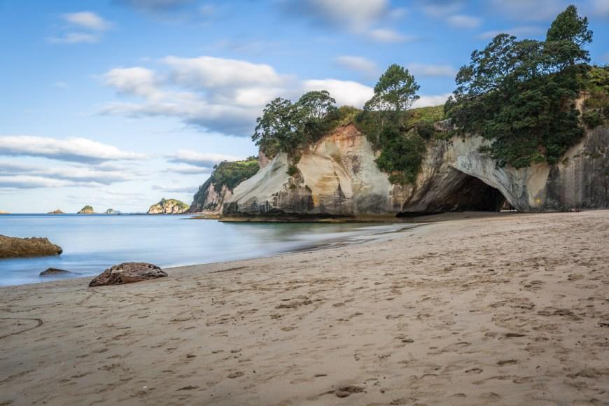Cathedral Cove, Cathedral Beach, Coromandel Peninsula, North Island, New Zealand.