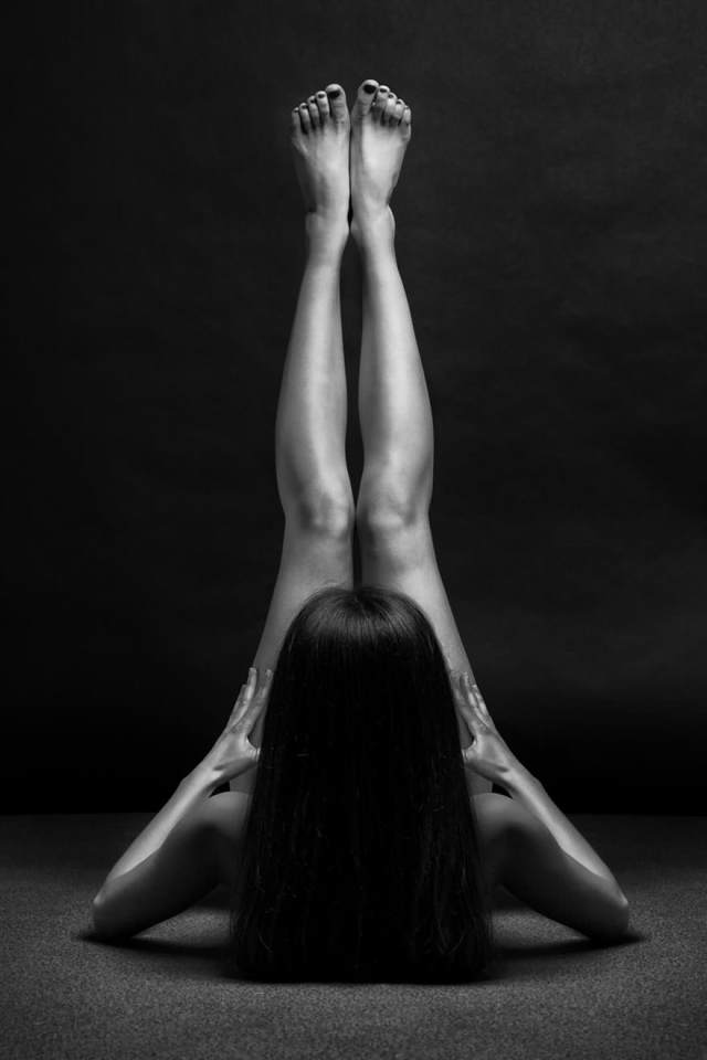 black-and-white-portraits-women-body-bodyscapes-anton-belovodchenko-181