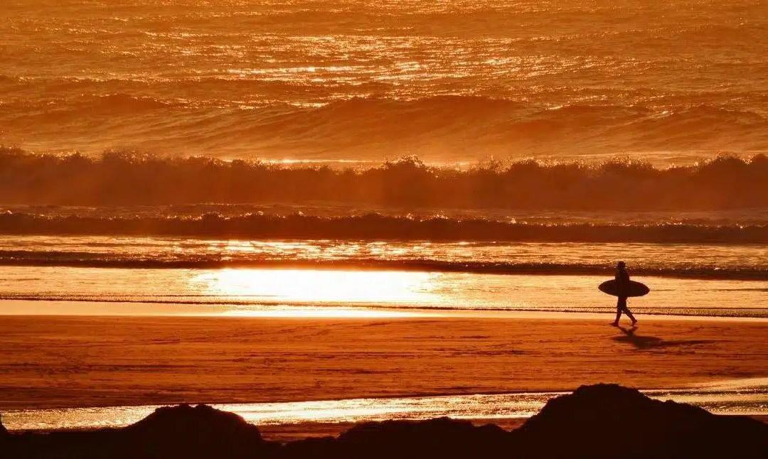 Surfing haiku