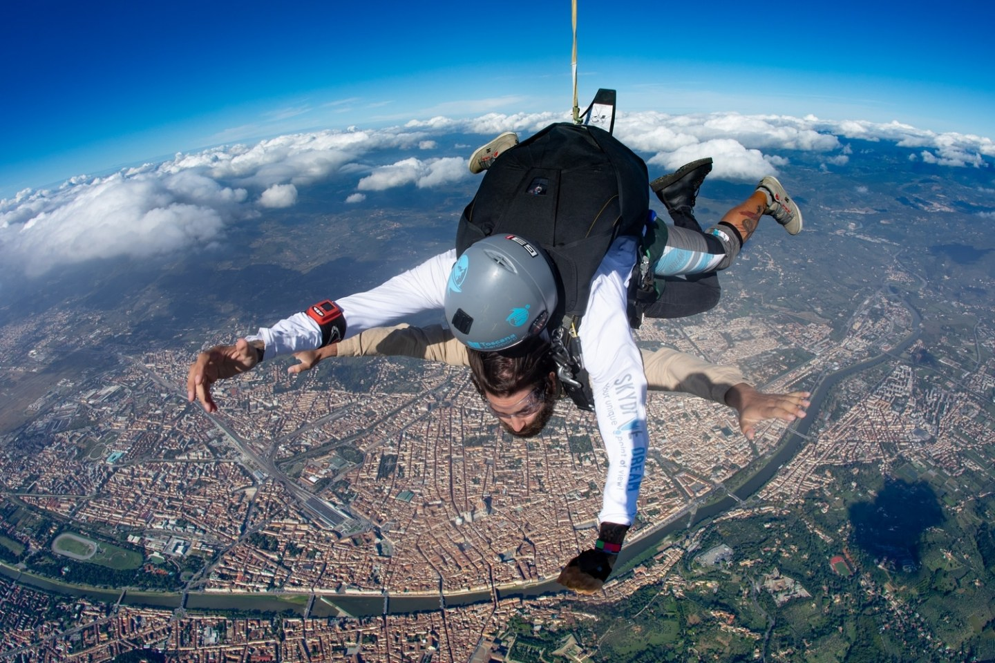 Skydivedreamteam-Florence-wild-man-life