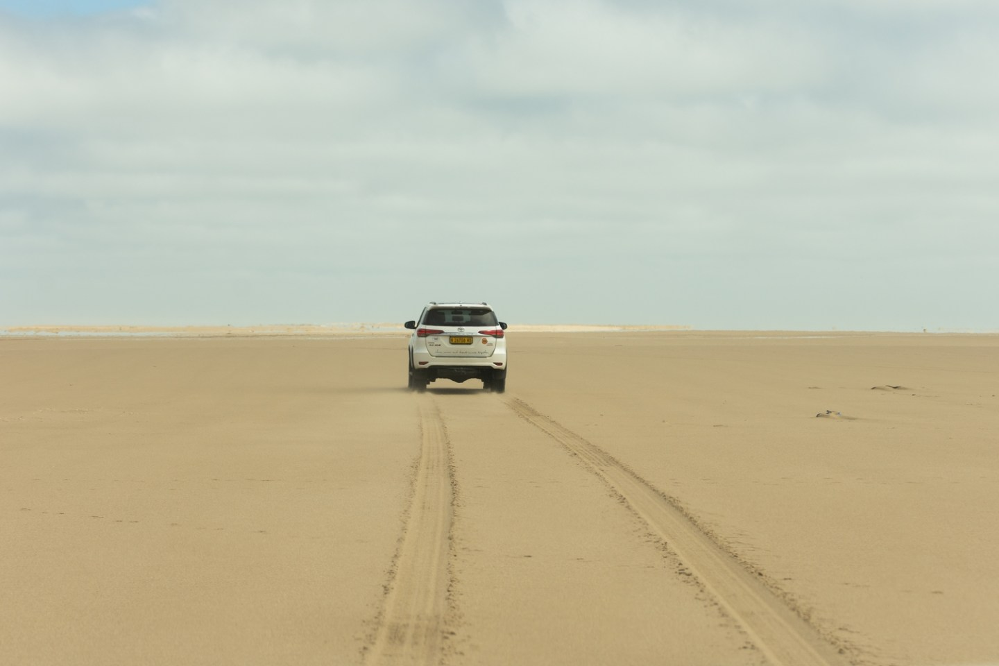 Namib-Desert-Pelican-Point-4x4-tour4