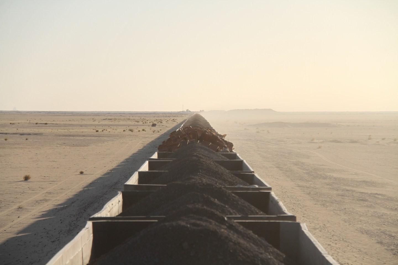 Mauritania-train-Ore-iron-ore-Sahara4