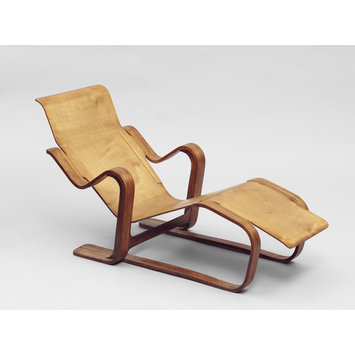 The Long Chair designed by Marcel Breuer at the Bauhaus