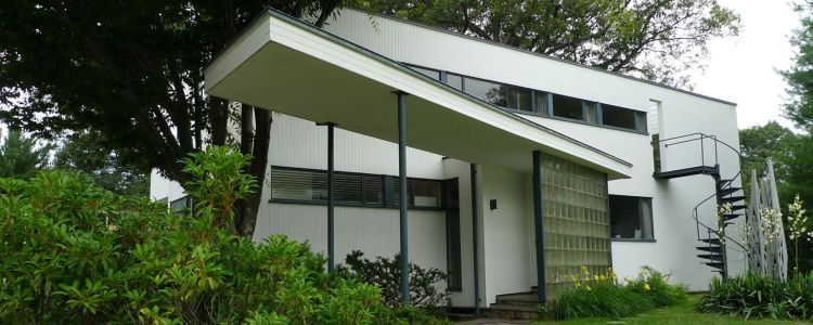 A mid-century modern house designed and lived in by Walter Gropius
