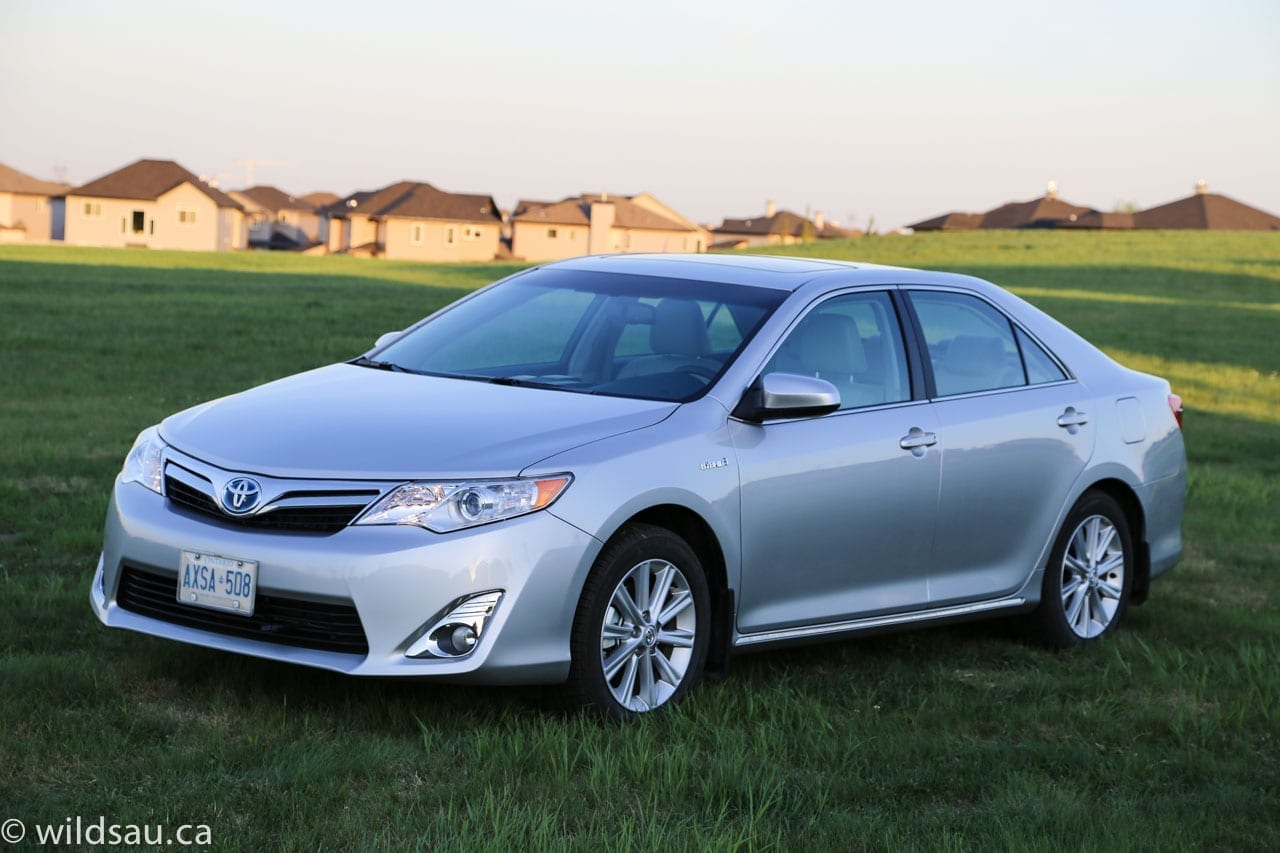 review 2014 toyota camry hybrid xle wildsau. Black Bedroom Furniture Sets. Home Design Ideas
