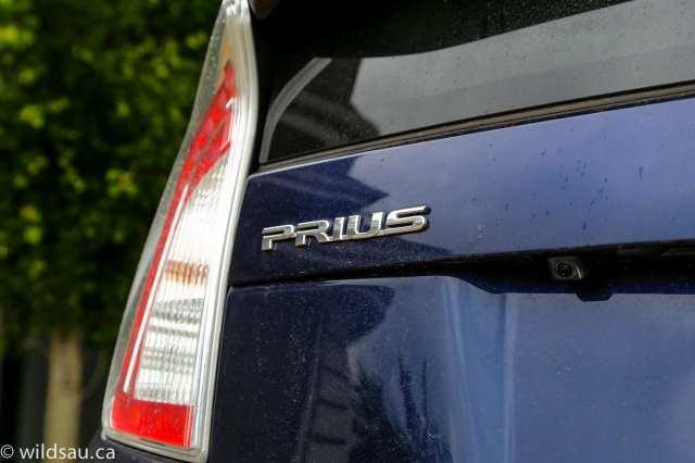 prius badge