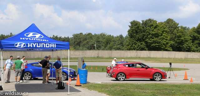 Veloster Turbos at autocross start