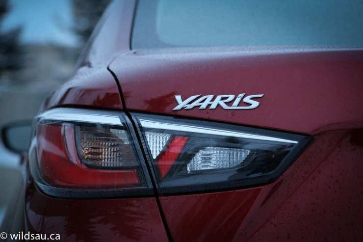 tail light Yaris badge