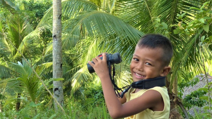 Siargao kids birdwatching
