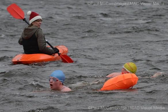 211214 - Ice swim 06 b