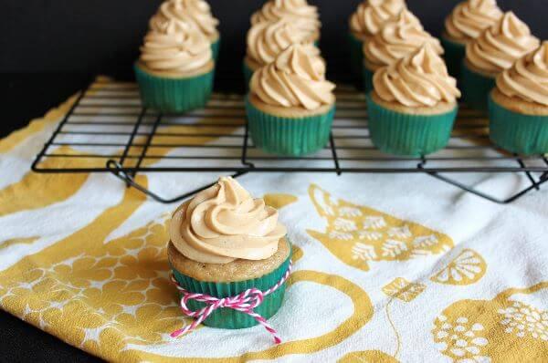 Caramel apple cupcake on wildwildwhisk.com