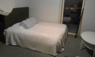 hjalpte-syrran-renovera-ett-frad-till-sovbart-rum