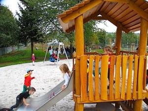 Spielplatz Amstetter Straße Stuttgart Hedelfingen Eröffnung 25.9.2015