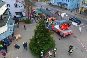Weihnachtsbaumaufstellung Sillenbuch 26.11.2016