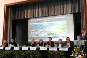 Einwohnerversammlung in Hedelfingen mit OB Kuhn