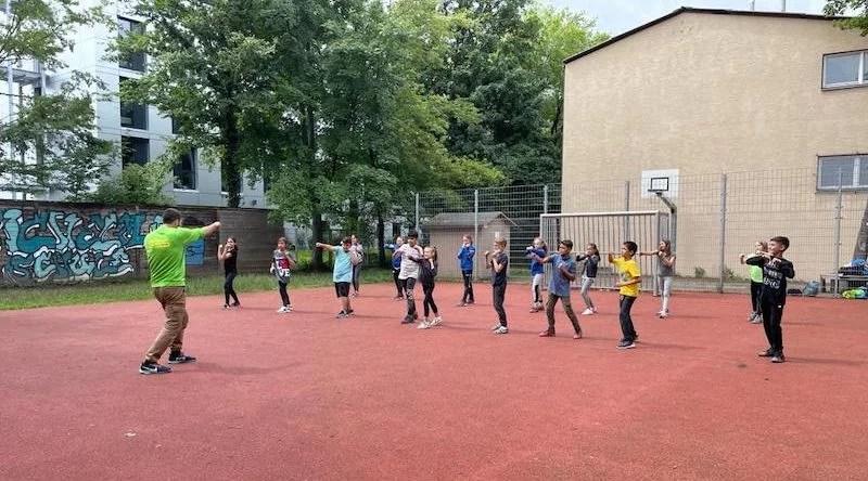 Sportaktion mit Wilhelmsschülern