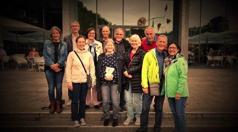Kunstfreunde der SportKultur vor dem Kunstmuseum Stuttgart