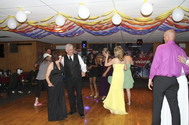 Wilkins-prom-2015-dance-floor