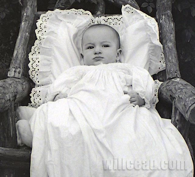 Christening-Gown-det-2