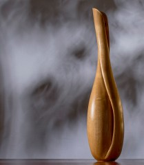 Song: Elegant wooden sculpture