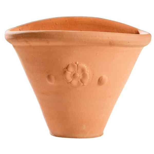 Wall pot with tudor rose