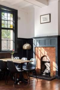 Main dining area William IV pub London