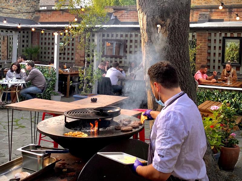 WilliamIV London garden BBQ