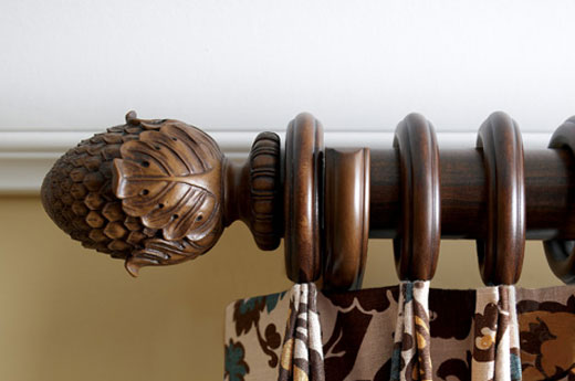 Kirsch Wood Trends Oakleaf Hazelnut Curtain Rod