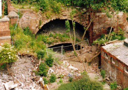 How the Double Tunnel looked in the 1990s.