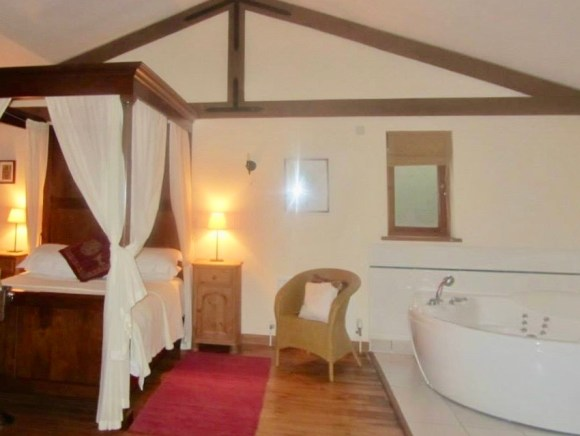 Four poster bed at Griffon Forest York