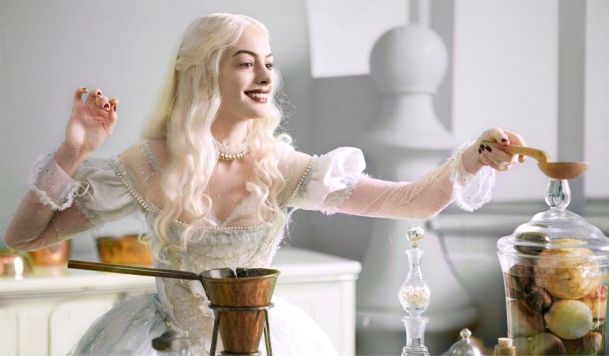 Alice in Wonderland - White Queen, Brewing Magic