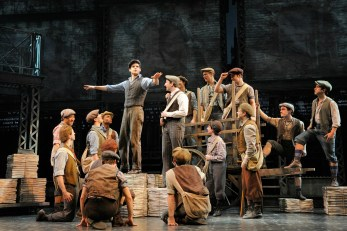 Newsies, a Disney Theatrical Production under the direction of Thomas Schumachter (Deen van Meer)