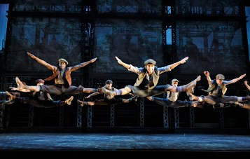 The Ensemble of Newsies (Deen van Meer, 2012)