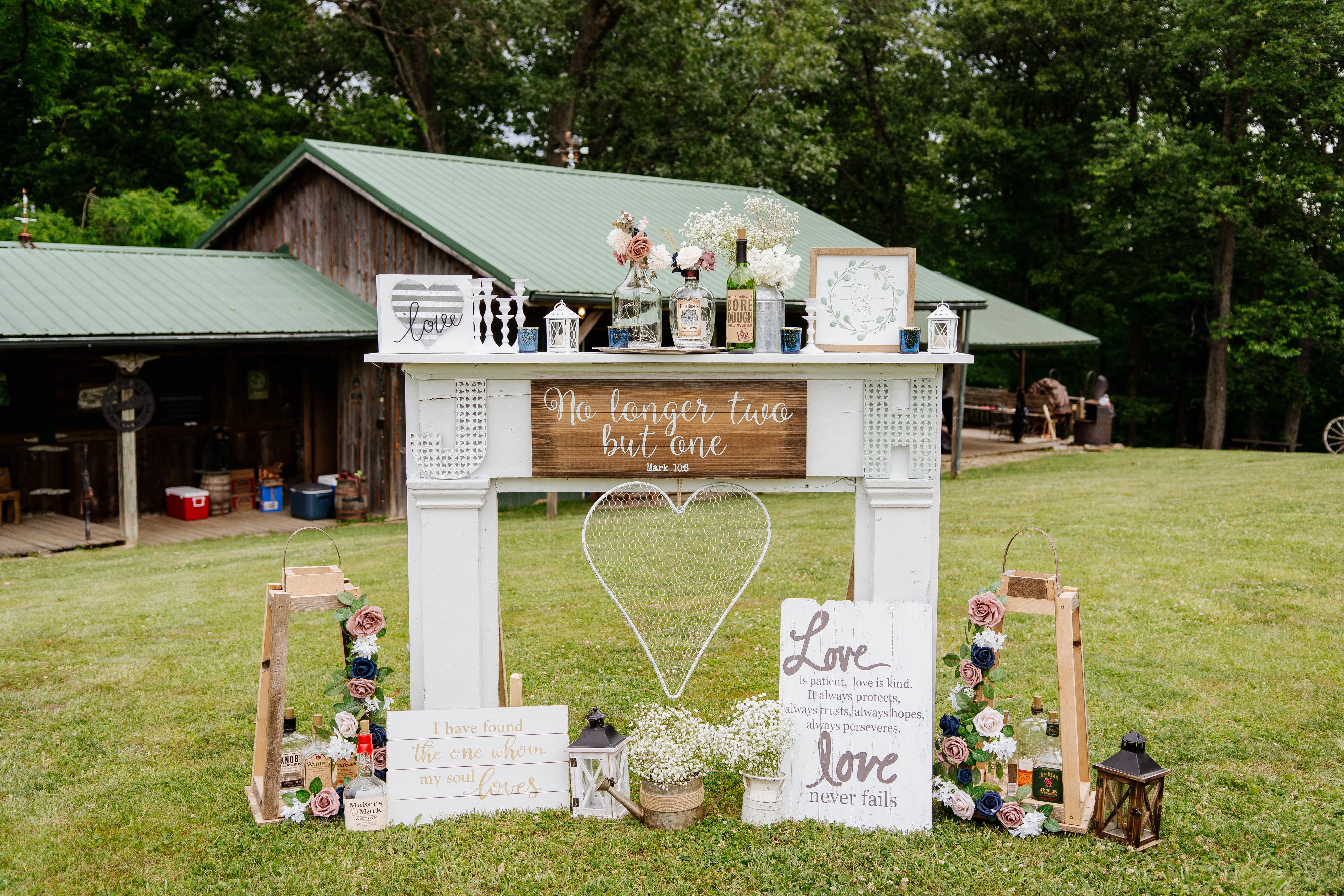 Hannah-Wedding-Welcome-Table-002-1