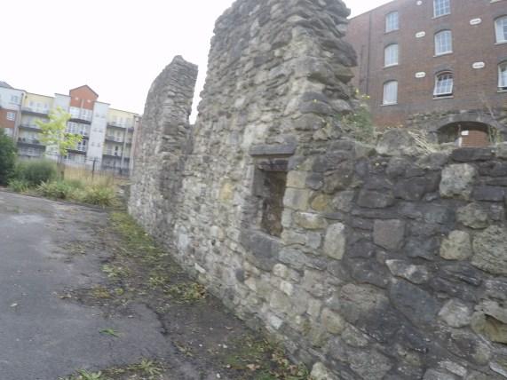 Vorgarten-Ruine