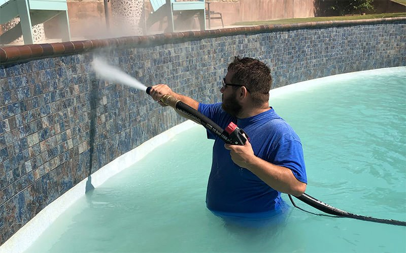 pool tile surface cleaning with