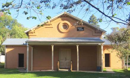 Bright Courthouse, old Australian courthouses, early Australian courthouses, colonial Australian courthouses