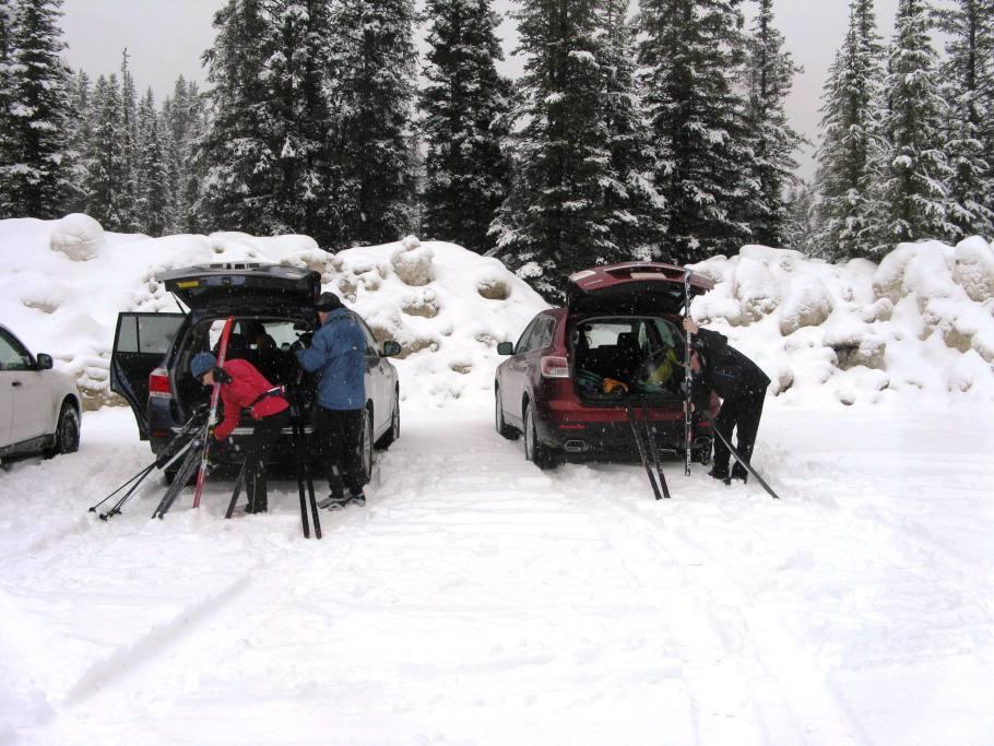Banff Springs cross - country skiing trailhead