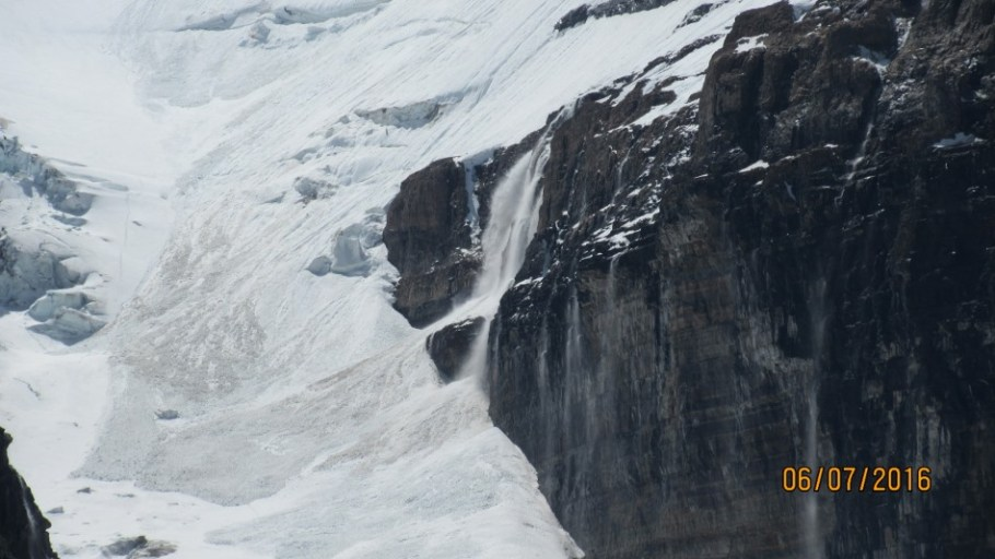 Avalanche from the Victoria Glacier