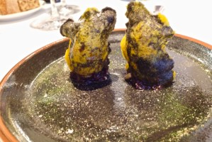 Arzak - Crispy manioc hydrated with huitlacoche, stuffed with 3 day caramelized onion