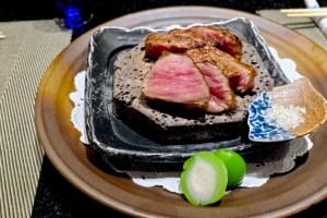 Kame Omakase - Hokkaido A5 Wagyu (eye and cap), Green Peach, Australian Flake Salt