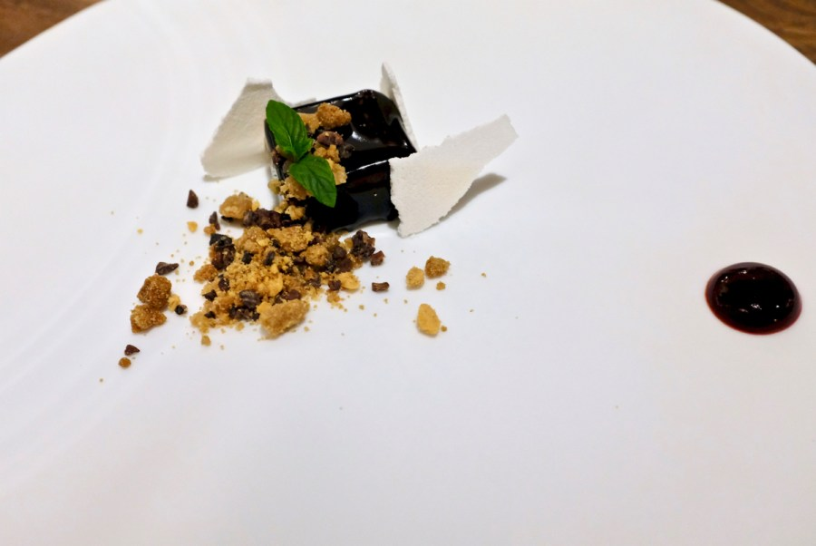 Dialogue LA - Coffee, caramelized white chocolate, blackberry vinegar