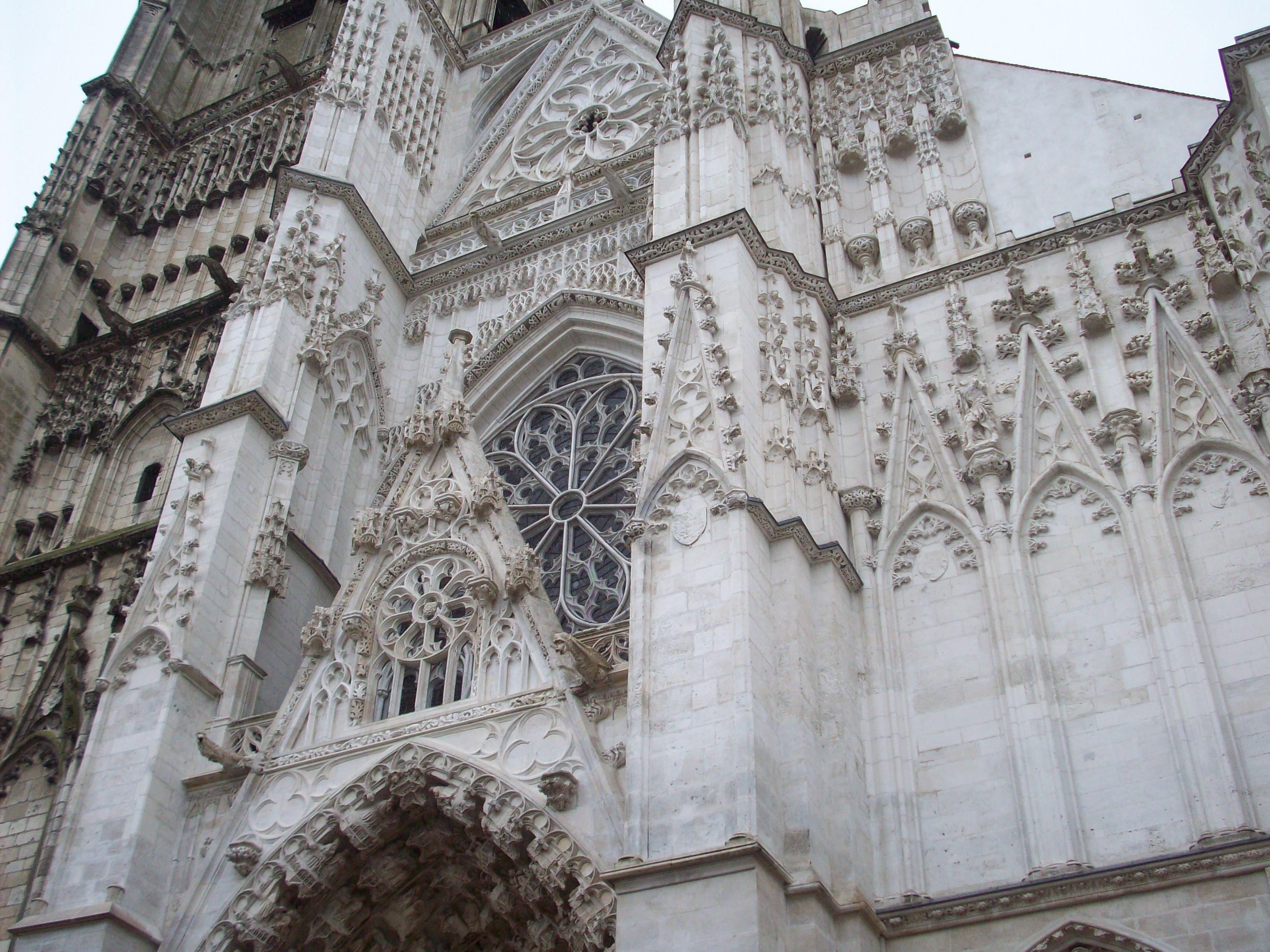 cathedrale-saint-germain