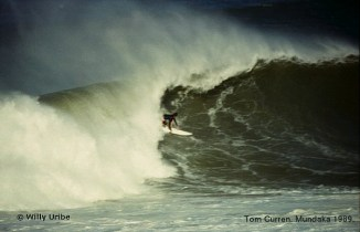 Tom Curren bien enchufado...