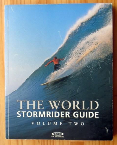 Surfing library, biblioteca surfera, willy uribe, surfing books, libros de surf, revistas de surf, surfing magazines