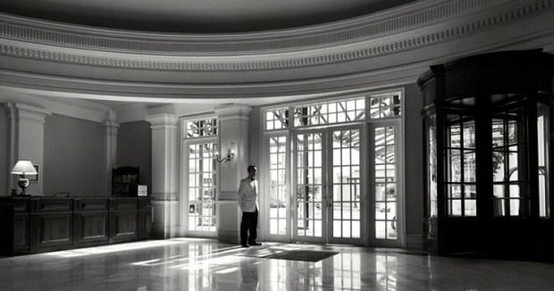 e-o-hotel_lobby