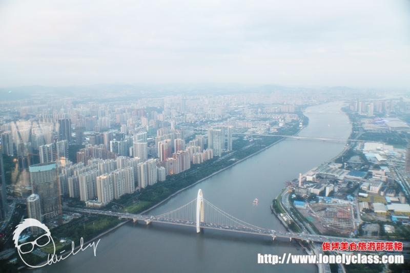 身边的朋友对中国还是认为挺落伍的地方,但是在大城市里,人家的步伐早就超越了大马。